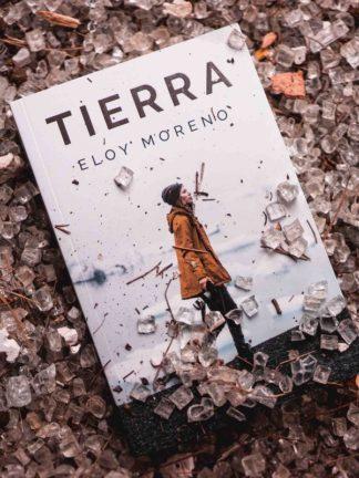 Tierra, novela